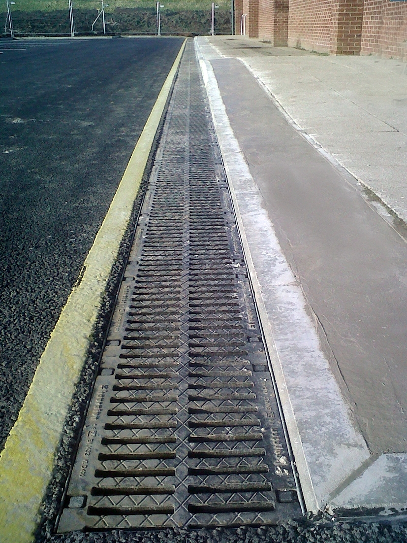 First UK installation of  Hauraton DRAINFIX® CLEAN Filter-bed Channels